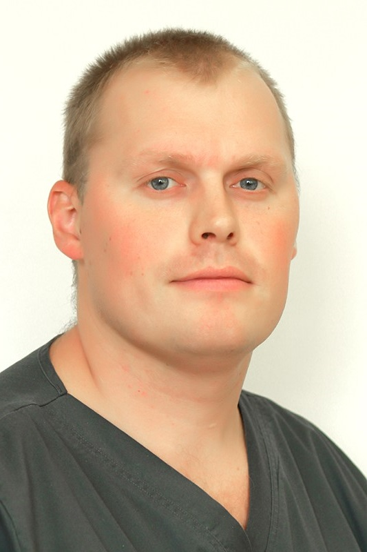 Хирург Михайлюков Владимир Михайлович